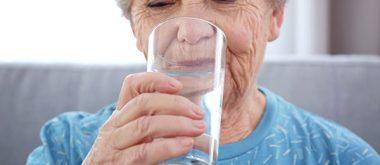 Wie Trinken gegen altersbedingte Beschwerden hilft 2