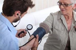 Regelmäßige Gesundheitschecks sind ein wesentlicher Bestandteil des Älterwerdens