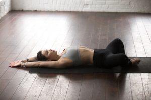 Yoga-Posen zur Linderung der Wechseljahre