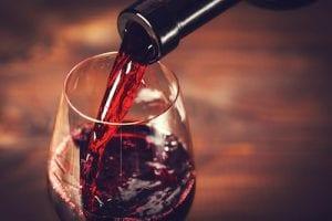 Resveratrol, ein Bestandteil von Rotwein, als Anti-Aging-Methode