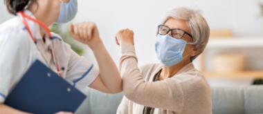 Schutz vor einer COVID-19 Ansteckung in Alters- und Pflegeeinrichtungen